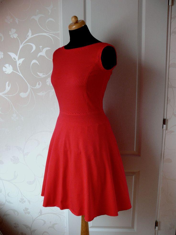 Červené šaty ala 50.léta