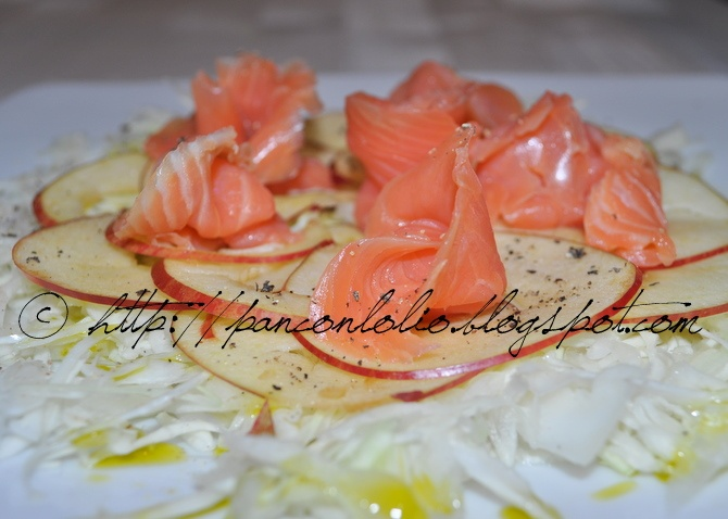 insalata cavolo cappuccio mela e salmone