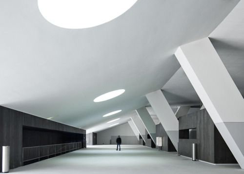 lamego multi-use center | concourse ~ barbosa & guimaraes