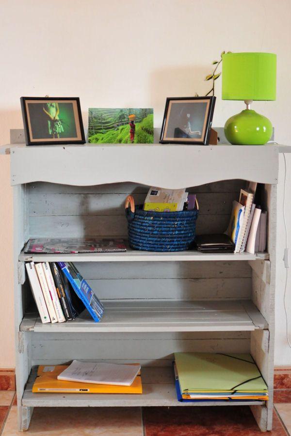 Une petite bibliothèque : Meubles en palette : 20 idées pourvousinspirer - Linternaute
