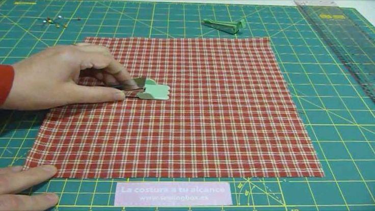 Aprende a hacer el bies en casa con solo un cuadrado de tela.... www.sewingbox.es                                                                                                                                                                                 Más