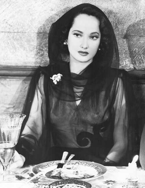 Merle Oberon (Estelle Merle Thompson).   Anglo Indian actress, but only admitted her Indian heritage a year before she died on 23rd Nov 1979 (aged 68).  Loved her in Wuthering heights.