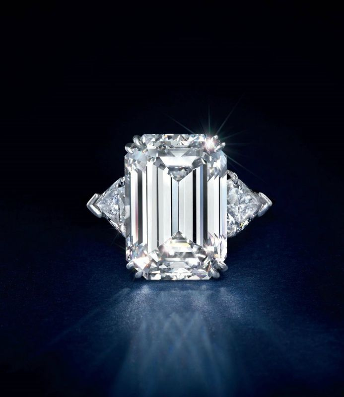 A 11.00 carats rectangular-cut Type IIa diamond ring, by Harry Winston