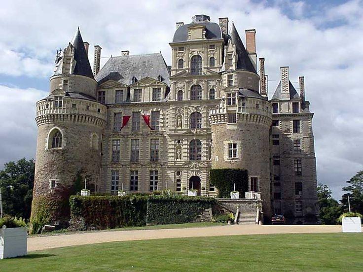 Les Monuments de France: Château de Brissac