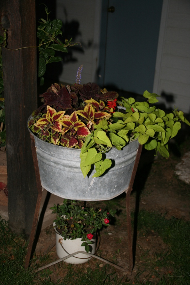 18 best images about old wash tubs on pinterest gardens