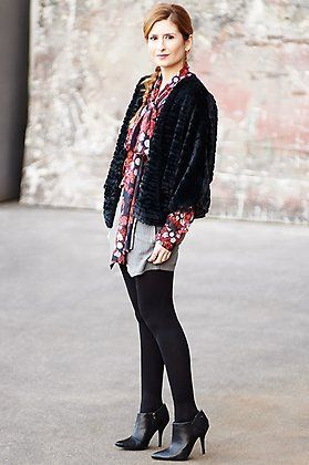 Look de ATrendyLife con blusa de Divina Providencia, falda pantalón de @VILAClothes, chaqueta de Jiro y botines @exeshoes.