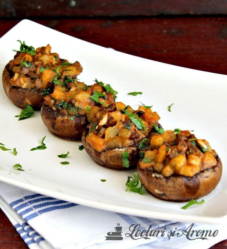 Aceasta reteta de ciuperci umplute cu vinete la cuptor este o reteta vegan, de post, adica fara carne.
