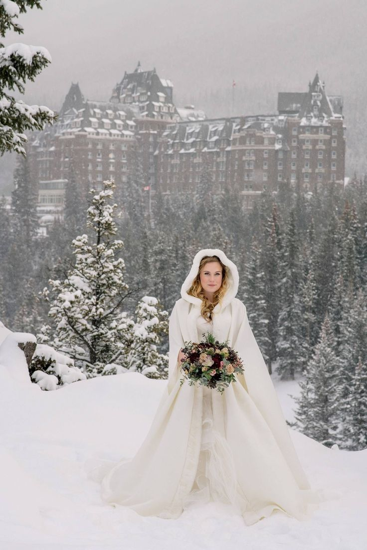 31 Astonishing Christmas Wedding Dresses Ideas To Inspire ...