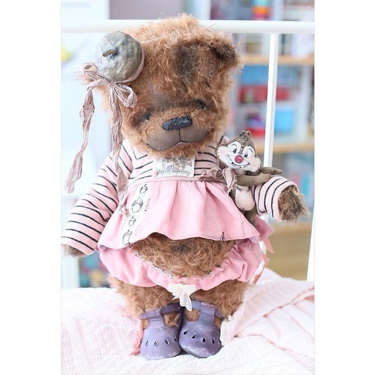 «Думаю, уже завтра медвежонок будет искать семью А пока мы желаем всем всем хорошего настроения и чудесного дня!»