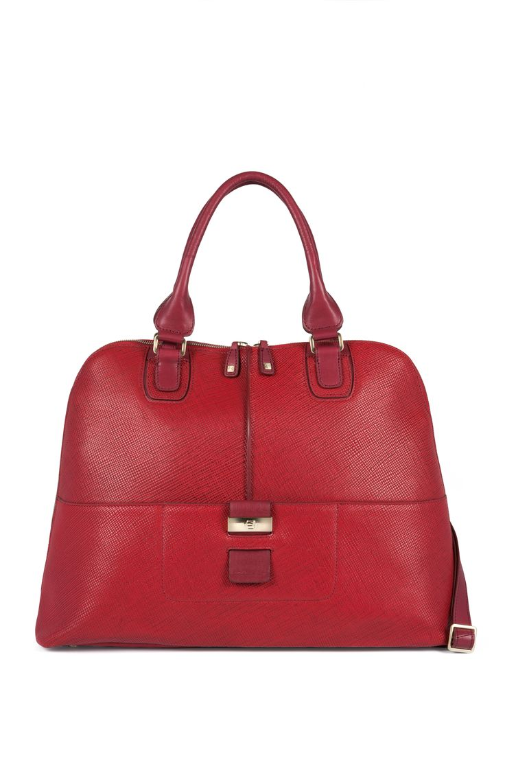 Christmas is red! http://www.piquadro.com/_/shopping-bag-porta-computer-6145.html