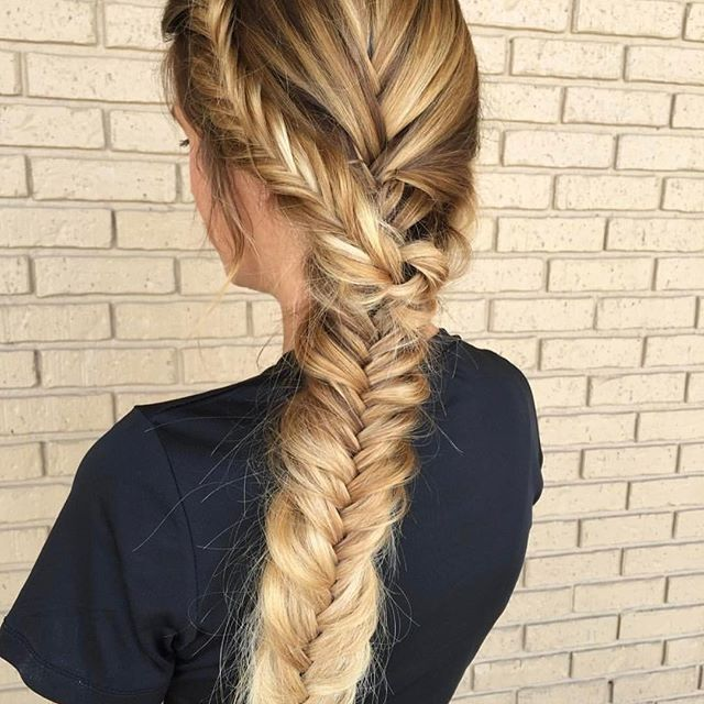 Repost from @callie_embellishbeautyparlour - Throwing it back to this 😍 nothing is as beautiful as a textured braid and thanks to @kenraprofessional #kenra25 hairspray and #kenrasmoothingcreme it was perfection! 🙌🏼 #braidsandbalayage Braided by @callie_embellishbeautyparlour Color by @hair.by_kaileybreann