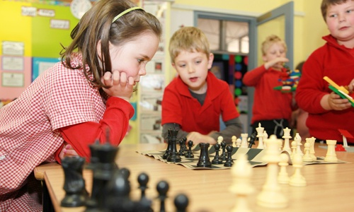 Students playing chess at North Ainslie Primary School.