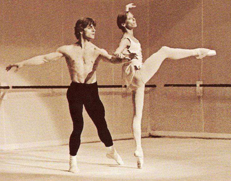 Mikhail Baryshnikov and Natalia Makarova in Robbins' Afternoon of a Faun (rehearsal)