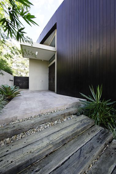 R House Entry - Bruce Stafford Architects