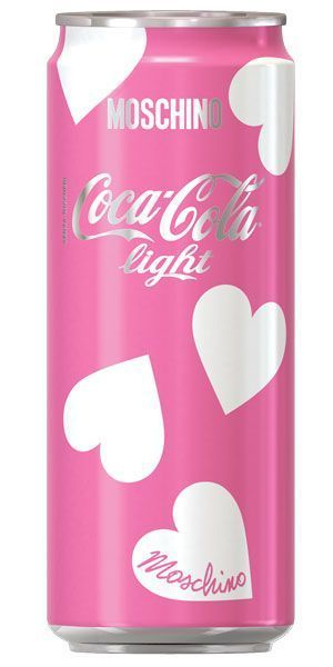 coca cola moschino - STYLE FACTOR http://www.stylefactor.it/wordpress/coca-cola-light-firmata-moschino-omaggio-alla-milano-fashion-week-pe-2015/