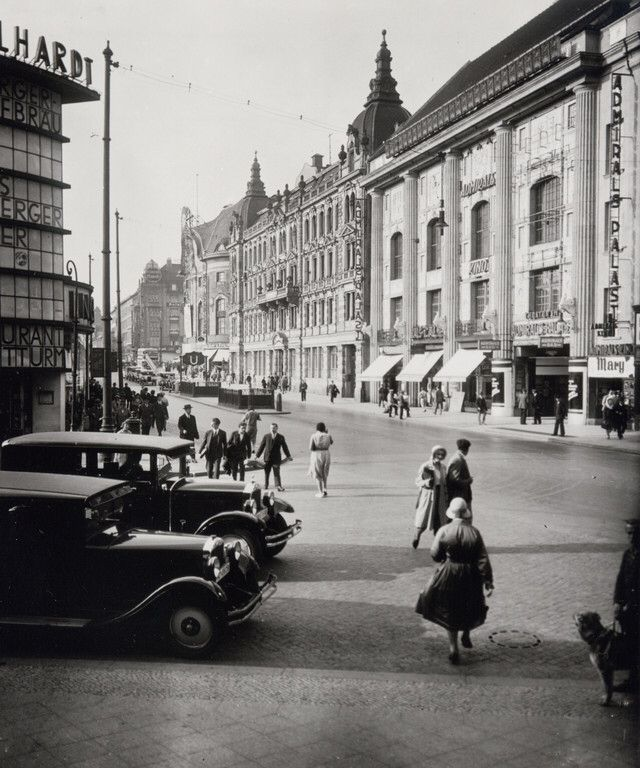 Der Admiralspalast in der Friedrichstraße. Berlin, 1928. o.p.