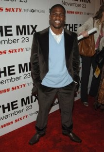 Kevin Hart... without jacket