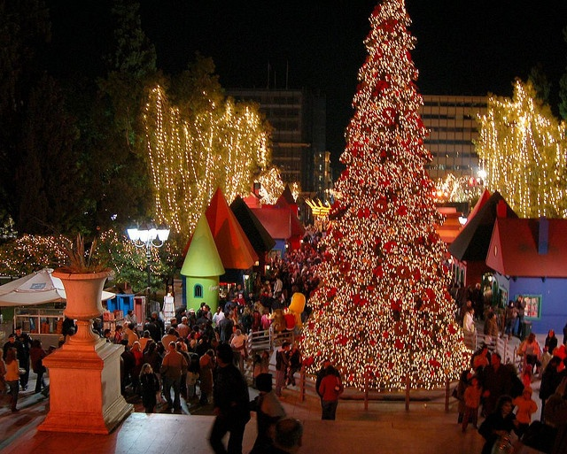 Syntagma, Christmas 2005 by RobW_, via Flickr