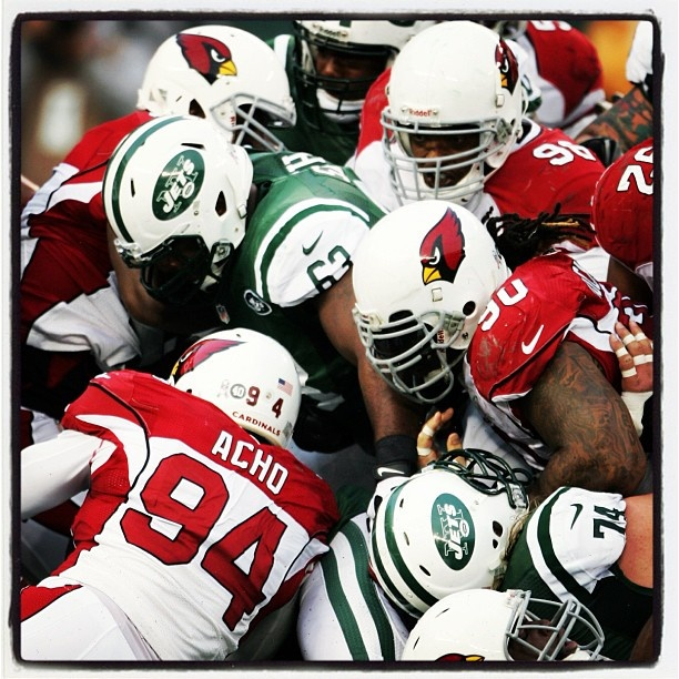 The @azcardinals defense swarms a #Jets ball carrier. #ArizonaCardinals #AZCards #Arizona #Cardinals #AZCardinals #NFL #AZvsNYJ @slingshotphoto #AZLottery #PhotoOfTheDay @dockett90