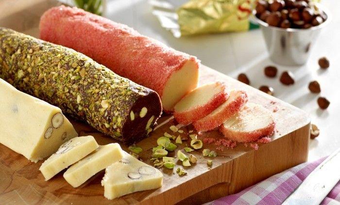 Med en rulle kakdeg i kylen eller frysen kan du snabbt och lätt trolla fram nybakade kakor på nolltid! Perfekt i semestertider när man ofta får spontanbesök av släkt och vänner. Skär upp