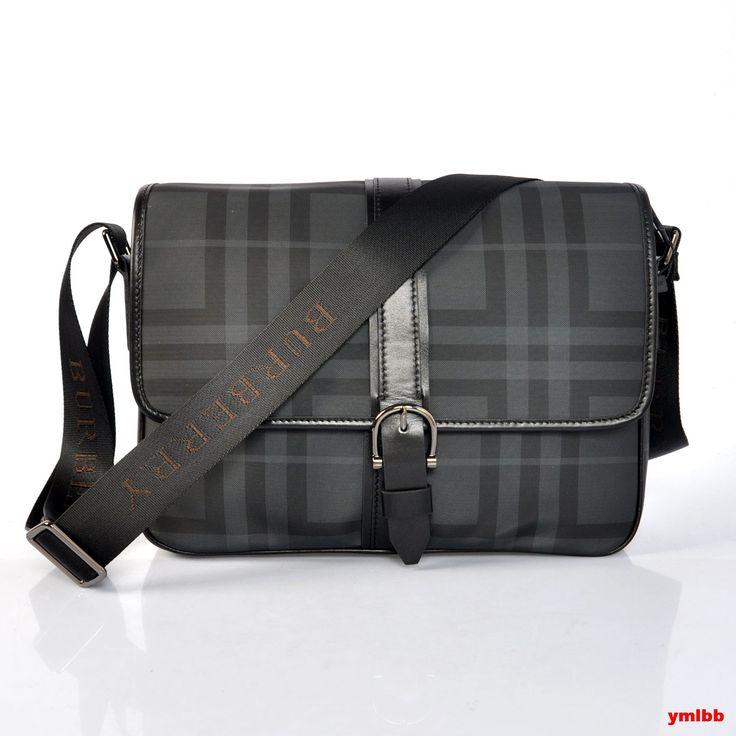 Burberry Men's Bags 49! Buenísimo, aunque si lo tuviera, me daría lata sacarlo a la calle habitualmente. Jajajaja! Un lujo propio de la marca inglesa!