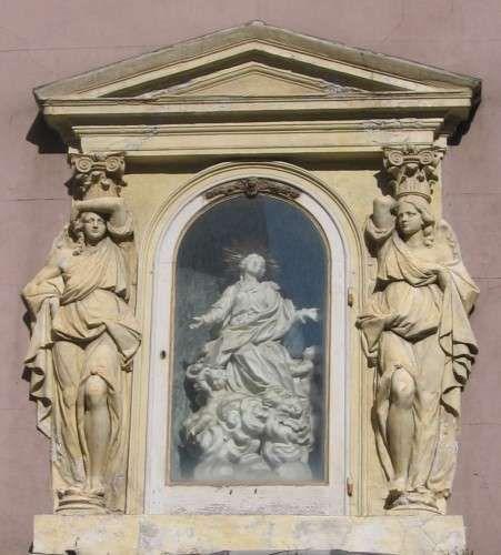 edicola votiva a Genova via di Porta Soprana