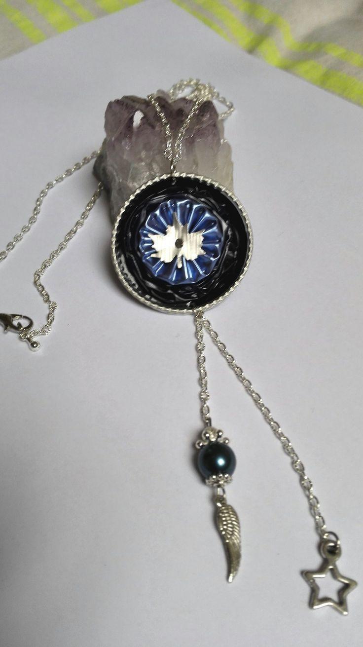 Bijoux capsules à café Nespresso collier sautoir argenté cabochon couleur bleues motif feuille