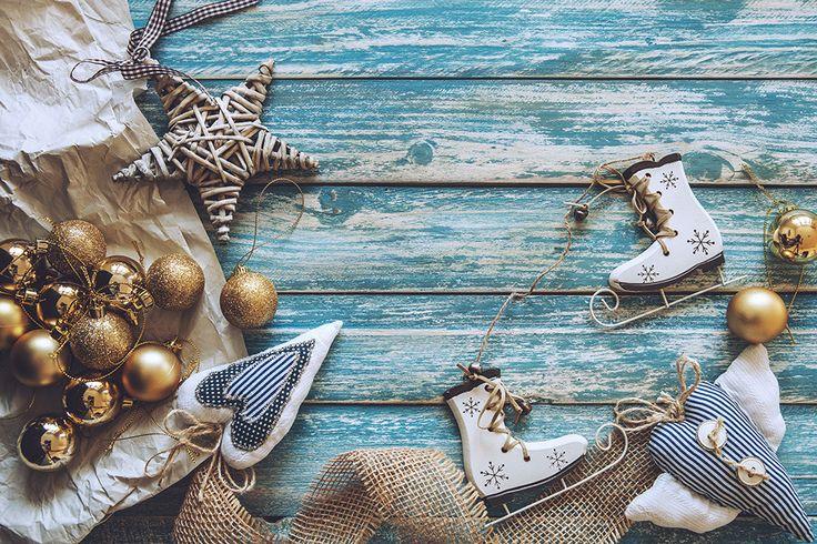 https://flic.kr/p/BwE9fY | Christmas decoration on grunge wooden background | Найти старые выброшенные доски и сделать из них еще более старые! Это мы умеем :) Зачем это нужно и как это делается можно посмотреть и почитать в нашем новом видео-посте! Find old wooden boards and make it more older ! We can do it! Why we do this and how, you can read and see in our new video-post on creativephototeam.com www.creativephototeam.com/?p=4095