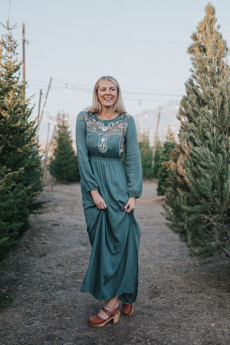 THE LUNA EMBROIDERED MAXI DRESS IN JADE// DRESSES// MAXI DRESS// WOMENS CLOTHING