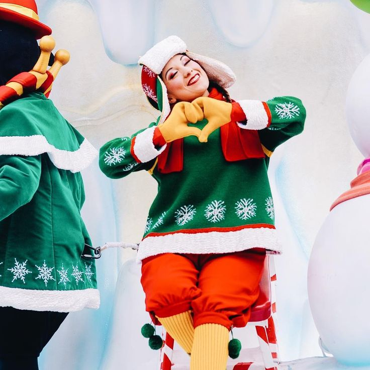 ❤️ La mignonnerie ✨ Cette saison de Noël à Disneyland Paris m'a tellement apporté de magie dans le cœur, j'ai été envahi d'un bonheur indescriptible. Je veux encore et encore y être. Merci Walt, merci de m'apporter cette magie et ce bonheur au quotidien. ✨