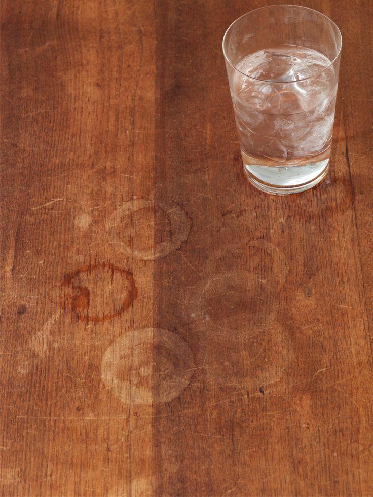 Jeder kennt sie: Die bösen Wasserflecken auf dem Holztisch, die einfach nicht verschwinden wollen - ganz gleich was man tut! Allerdings