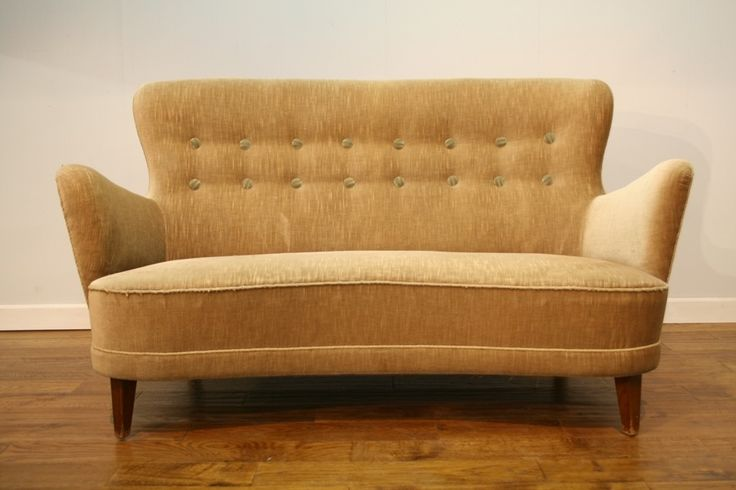 fab-small-1940s50s-buttoned-danish-sofa