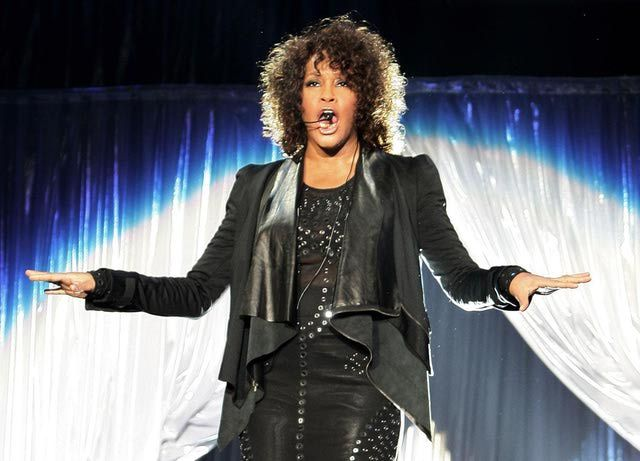 Whitney Houston - Profile and Biography