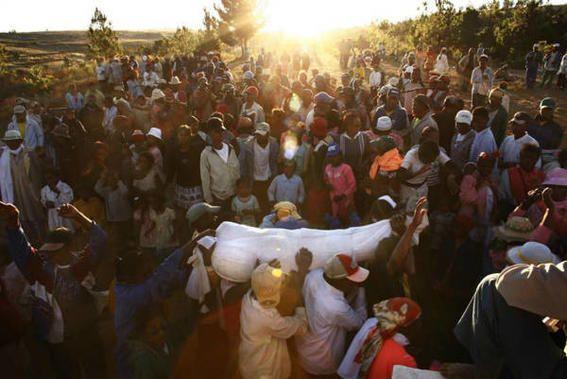 Famidihana Madagascar death ritual