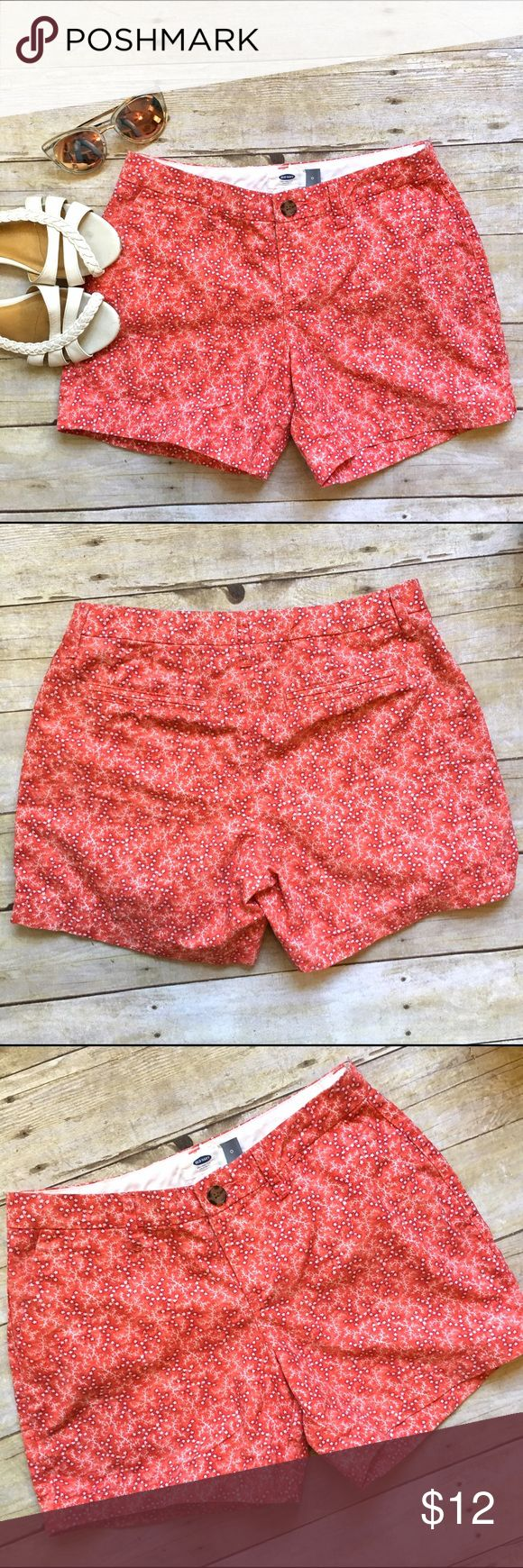"Old Navy orange star print shorts A classic short is updated with a fun print. Add a neutral tee for an easy and cool look. In like new condition. Side slit pockets. Faux back pockets. 100% cotton. 5"" inseam. 8.5"" rise. 13.25"" waist laying flat. Size 0. Old Navy Shorts"