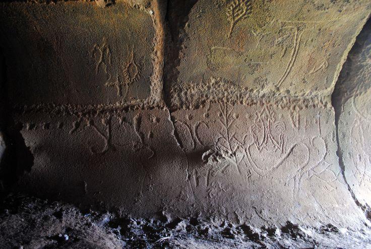 petroglyphs-ana-o-keke-virgin-cave-entrance.jpg (1090×732)