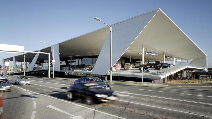 Kadawittfeld architektur | Driving me Crazy | Consecionario de venta de automóviles. | 2004-2006
