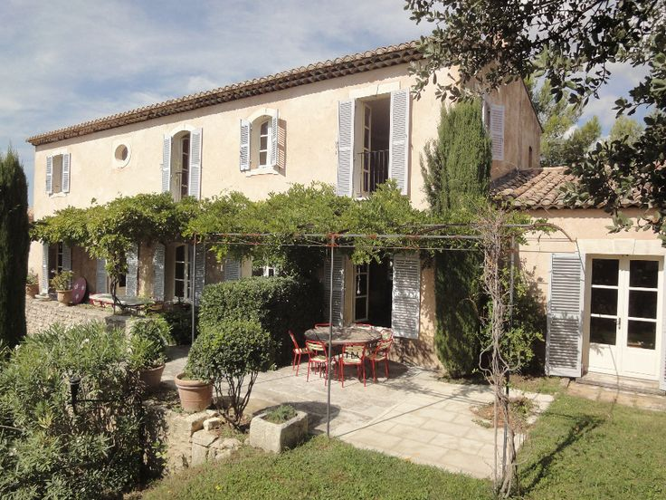 old french windows and doors | Exemples of exterior provencal joinery French doors and windows with ...