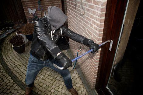 De Nationale Inbraakpreventie Weken - Meer dan veertig procent van de achterdeuren is zo slecht beveiligd dat inbrekers met slechts enkele handelingen binnen één minuut binnen kunnen zijn