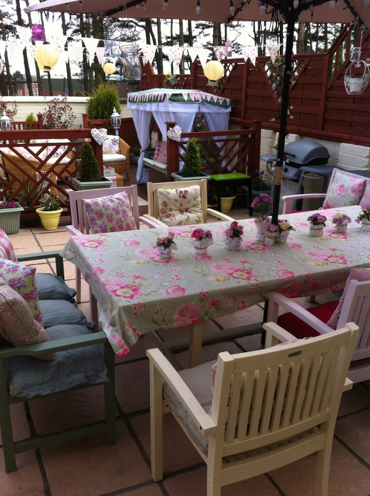 17 best images about painted garden furniture on pinterest. Black Bedroom Furniture Sets. Home Design Ideas
