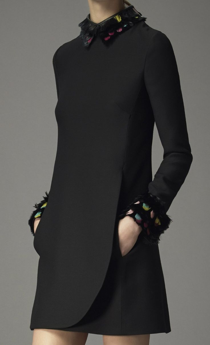 Valentino Pre-Fall 2014 - clean lines with a touch of color and detail in the collar and cuffs. Classic. très chic #fashion