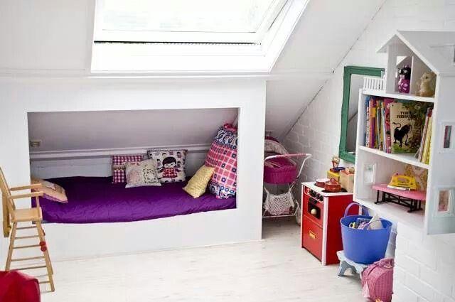 Meer dan 1000 idee n over kinderen zolder slaapkamers op pinterest kind hoogslapers tiener - Tiener met opbergruimte ...