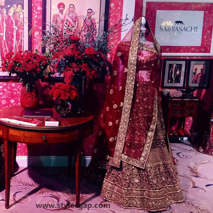Sabyasachi Mukherjee Latest Wedding Dresses 2016-2017 Collection. Lehengas, Sarees (20)