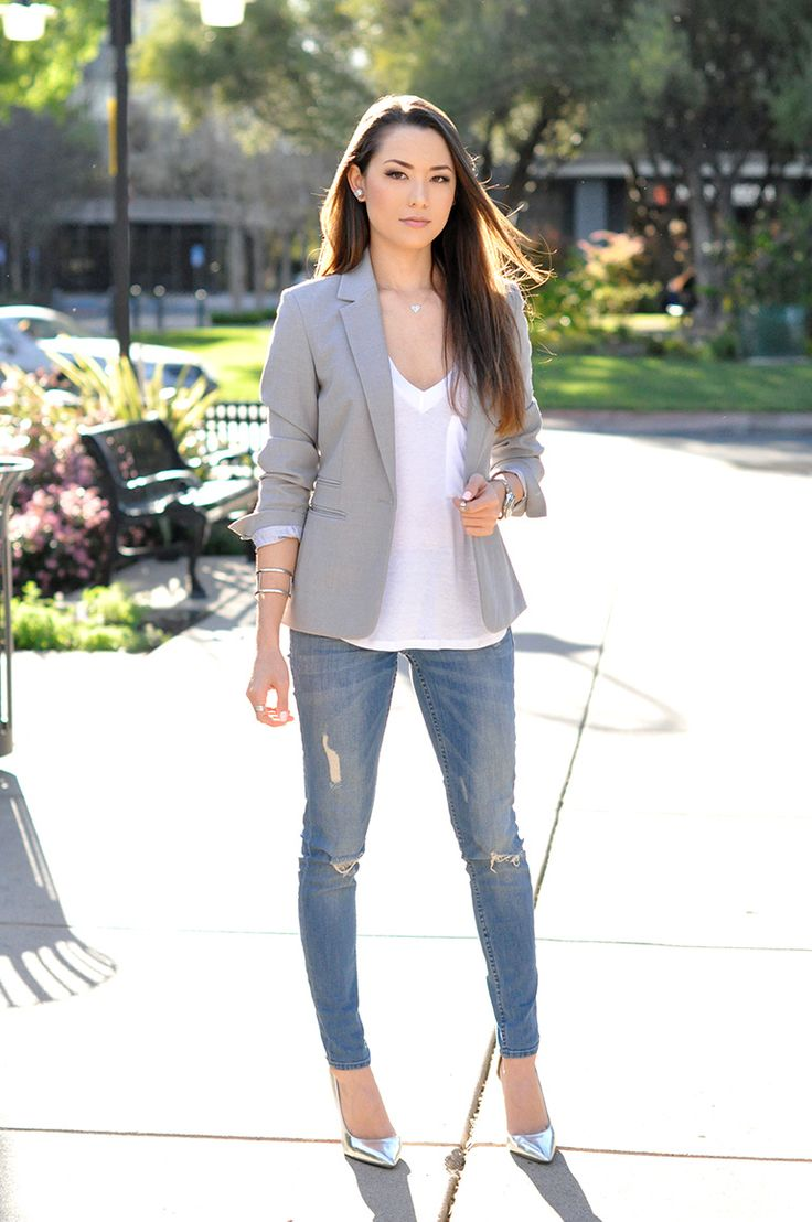 Can't wear ripped jeans to work, but the rest of the outfit is great!