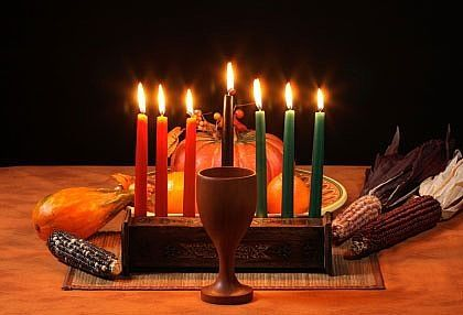 How to Decorate a Table for the Kwanzaa Feast (Karamu)