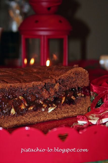 Gingerbread with jam & nuts filling