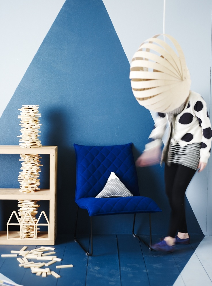 Our stylist, @Vanessa Colyer Tay, setting up for our 'Homewares Trend' story in our new September/October 2012 issue of Inside Out. Photo by Lisa Cohen.