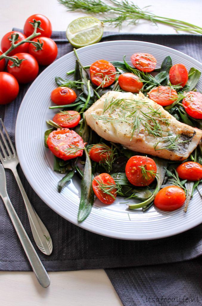 Recept: kabeljauw met lamsoor en tomaat. Koolhydraatarm recept met vis - It's a Food Life