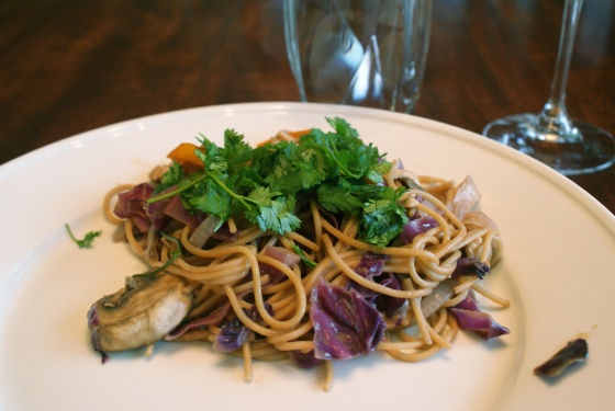 thai peanut noodle stir fry | Recipes: to try | Pinterest