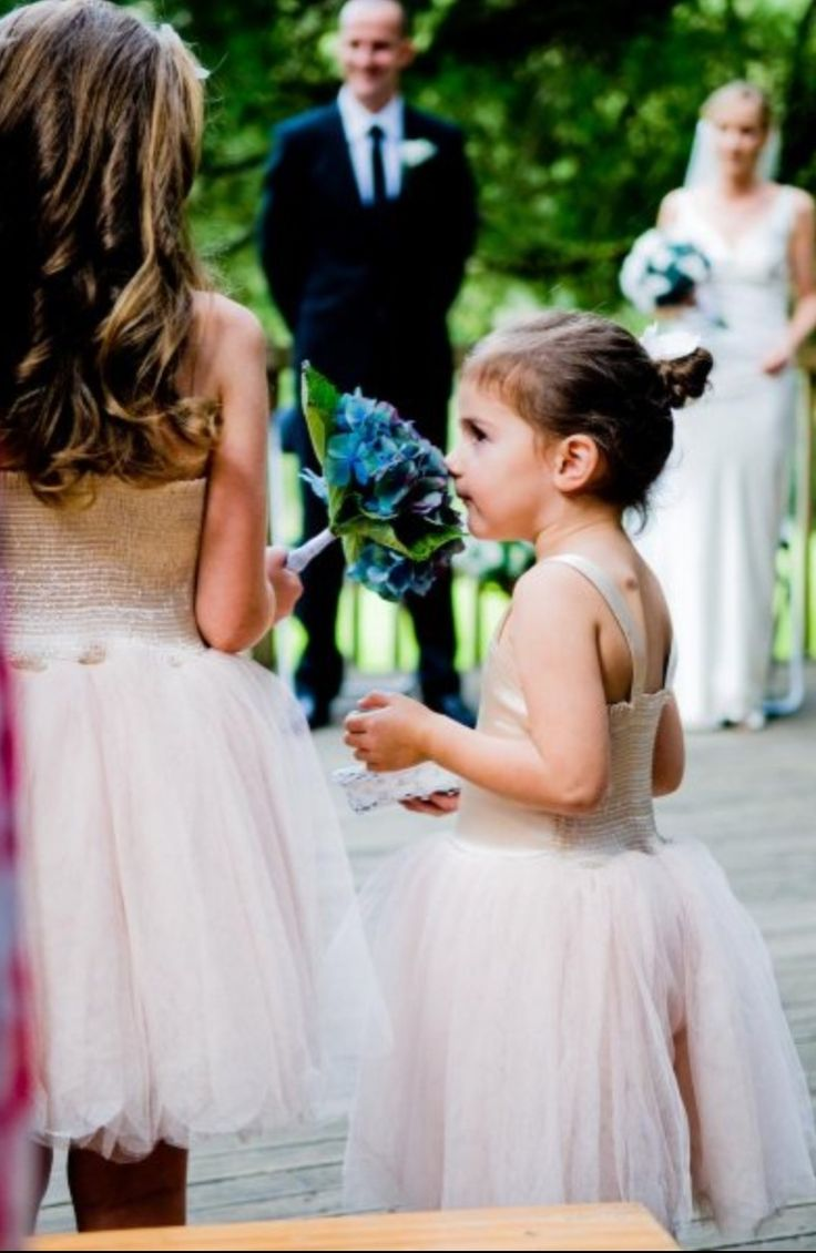 TCM Photography. Bridesmaids in the moments.